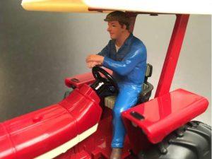 AT Collections, Erik driving tractor, figuren, 1:32