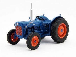 Legend Farmmodels, Fordson , modeltractor, 1:32